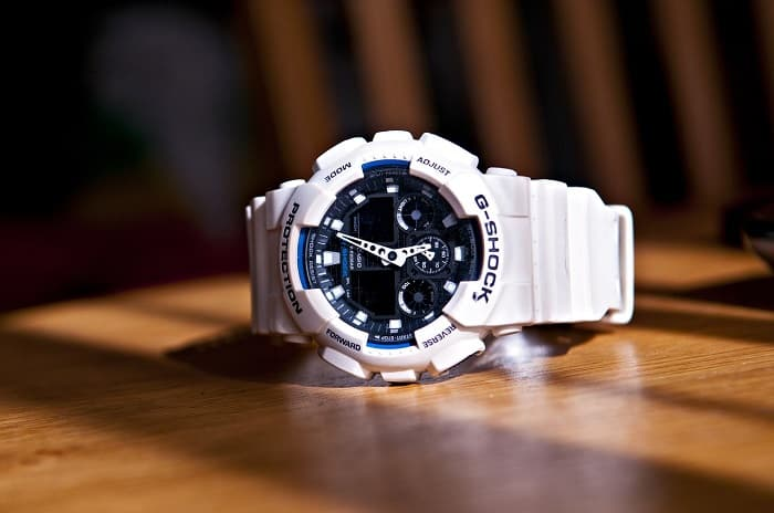 How to clean a white g shock